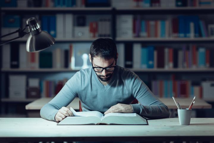 ¿Estudias y trabajas? 4 tips imprescindibles para no fracasar..
